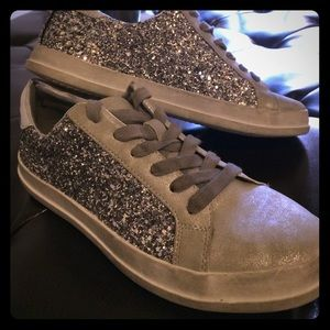 Mossimo 7.5 Silver Sneakers Excellent Condition